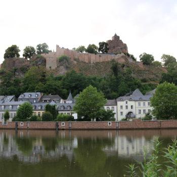 Blick auf die Saarburg